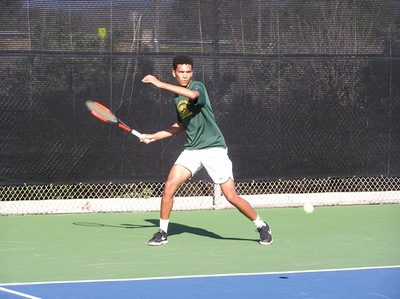 Men's Tennis Narrowly Squeezed from Postseason
